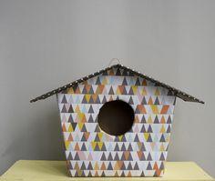 Casa baja triángulos