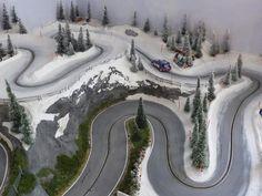 Rc Track, Slot Car Race Track, Slot Car Racing, Slot Car Tracks, Slot Cars, Diorama, Car Images, Courses, Scale Models