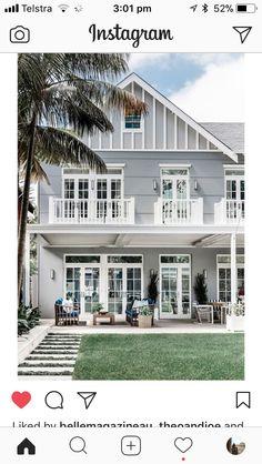 Exterior facade house balconies ideas - Home & DIY Exterior Tiles, Exterior Design, Interior And Exterior, Green House Color, House Colors, Hamptons Style Homes, Hamptons House, House Windows, Facade House