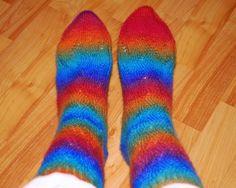 Bea's garn: Sokker behøver ikke å være grå og kjedelige....