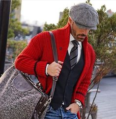 The waistcoat is popular attire in a gentleman's wardrobe. Flaunt the waistcoat in 7 fresh and dashing looks! Step out in style with the waistcoat this season! Der Gentleman, Gentleman Style, Sharp Dressed Man, Well Dressed Men, Komplette Outfits, Fashion Outfits, Stylish Men, Men Casual, Smart Casual