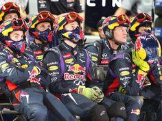 Die Mechaniker in der Box von Red Bull Racing haben beim Großen Preis von Südkorea nicht viel zu tun. (Foto: Srdjan Suki/dpa)
