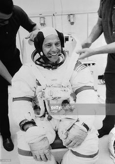 Alan Bartlett Shepard, the astronaut and first American in space, wears his space suit and a smile during a training simulation for the Apollo 14 mission.