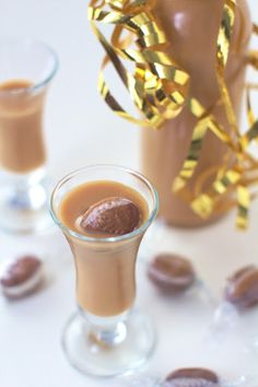 Likier Kukułkowy - Just My Delicious European Dishes, Irish Cream, Smoothie Drinks, I Foods, Holiday Recipes, Panna Cotta, Beverages, Food And Drink, Salsa