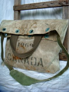 Vintage US Army duffle bag remake bag W My Bags, Purses And Bags, Vintage Bags, Handmade Bags, Beautiful Bags, Fashion Bags, Leather Bag, Tote Bag, Satchel Purse