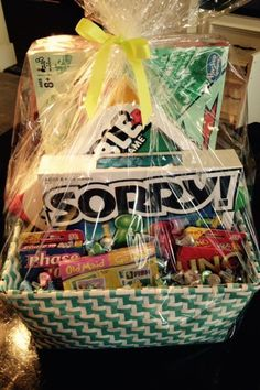 20 Unique DIY Gift Baskets That Are Super Easy To Make - Forever Free By Any Means Christmas gifts for couples… Visit the website… Family Gift Baskets, Best Gift Baskets, Themed Gift Baskets, Raffle Baskets, Basket Gift, Gift Baskets For Kids, Family Gift Ideas, Fundraiser Baskets, Raffle Gift Basket Ideas