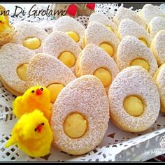 treats Golosa and original idea for EASTER LUNCH - biscuits with . Easter Cookies, Easter Treats, Easter Lunch, Shortcrust Pastry, Italian Cookies, Valentines Day Treats, Chocolate Treats, Easter Recipes, Creative Food