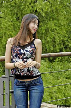 Skinny Fashion, Fashion Pants, Look Girl, Asian Hotties, Cute Girl Photo, Best Jeans, Beautiful Asian Women, Girls Jeans, Cute Tops