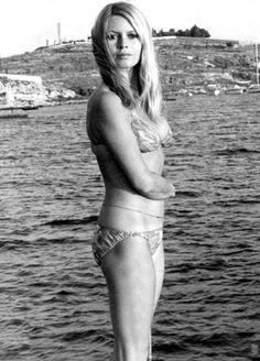 Bridget Bardot, Brigitte Bardot Bikini, Brigitte Bardot Young, Jenifer Aniston, Actrices Hollywood, French Actress, The Bikini, Vintage Hollywood, Beautiful Actresses