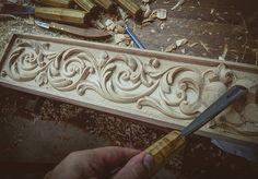 Растительный орнамент в полосе. Мебельная резьба.#woodcarving#woodcraft#ornaments#pattern#ornament#patterns#carving#wood#handmade#art#workplace#masterpiece#furniture #work#handwork#woodwork#baroque#woodart #резьбаподереву#искусство#резьба#ручнаяработа#художник#орнамент#орнаменты#узор#шедевр#мастерство