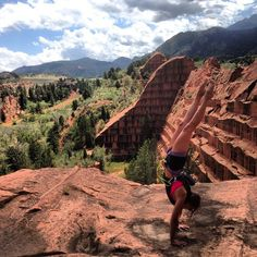 Handstand while climbing in Colorado (via Ashley Sharp) - Red Rocks Open Space, Colorado Springs