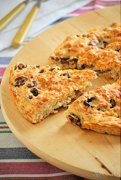 More like a scone. Made with self-rising flour. Gourmet Recipes, Snack Recipes, Cooking Recipes, Snacks, Greek Bread, Greek Sweets, Greek Cooking, Cooking Time, Bread And Pastries