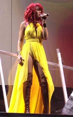 "Situated north of the border for her North American ""Loud"" tour, Rihanna has been busily churning out shows in Canada as of late. Rihanna Albums, Pop Singers, Parachute Pants, Harem Pants, American, Canada, Fashion, Moda, La Mode"