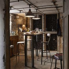 Idées de cave à vins - bouteilles, barriques et casiers | Cave, Wine ...