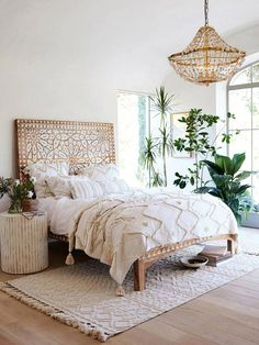 17 Boho Chic Bedroom Designs to enter the variety in the home - interior - Apartment Decor Boho Chic Bedroom, Bohemian Bedroom Decor, Home Decor Bedroom, Modern Bedroom, Bedroom Furniture, Bedroom Ideas, Bedroom Designs, Bohemian Headboard, Bohemian Chic Decor