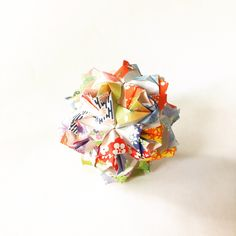 Little roses kusudama various washi paper - 8 cm - origami ball by PrwOrigami on Etsy https://www.etsy.com/listing/237711365/little-roses-kusudama-various-washi
