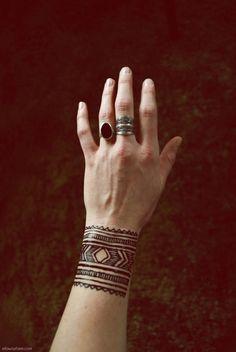 HENNA   Moroccan Style Wrist Tattoo #henna #mehndi