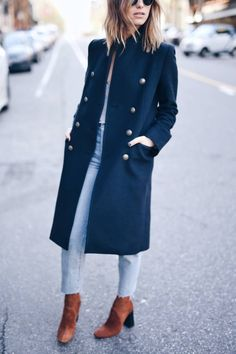 brown suede boots, navy coat #streetstyle #fblogger