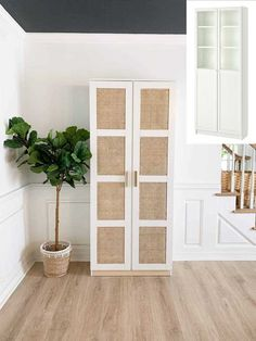 Ikea Furniture Hacks, Cane Furniture, Furniture Projects, Furniture Makeover, Brown Furniture, Furniture Decor, Bedroom Furniture, Furniture Design, Christmas Decorating Ideas