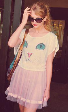 Cat Shirt: Even T-Swizzle's doin' it.