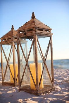 Rustic, natural-looking lanterns for an outdoor wedding and reception