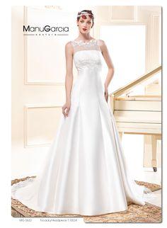 En esta ocasión un vestido de novia confeccionado en mikado, tul de plumeti y blonda con un escote en la espalda muy diferente. #vestidodelasemana