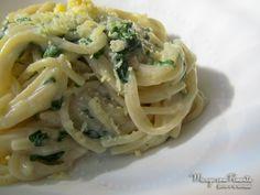 Quer uma comida bem gostosa para o almoço de quarta-feira? Venha conferir a receita de Macarrão com Espinafre aqui no blog, fácil e prático.