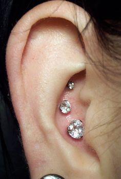 I just wanna have a unique piercing and I did until everyone else saw the triple forward helix pin...