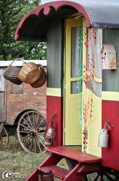 A vida, a música, as cores e a alegria de uma alma cigana!