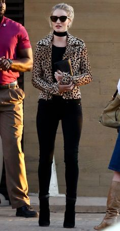 Wild thing: Rosie, showed off her stunning long legs in a pair of black skinny jeans worn with a rock-chick leopard print jacket Leopard Print Outfits, Leopard Print Jacket, Animal Print Outfits, Leopard Fashion, Cheetah Print, Look Fashion, Autumn Fashion, Fashion Outfits, Womens Fashion