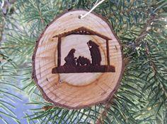 Ornamento di Natività Fetta di legno di RedPineEngraving su Etsy
