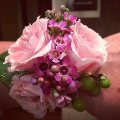 wristlet corsage thelittlegardenspot.com