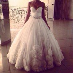 I love this dress!! R
