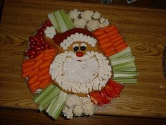 Christmas Food – Adorable Turkey Platter Healthy Vegetable Snack – add to your list of appetizers… Christmas Tree Veggie Tray, Christmas Party Food, Xmas Food, Christmas Appetizers, Christmas Goodies, Christmas Baking, Christmas Treats, Christmas Fun, Deco Fruit