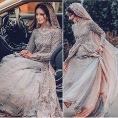 Pakistani bride in gray and pink lehenga Asian Wedding Dress, Pakistani Wedding Outfits, Pakistani Bridal Dresses, Pakistani Wedding Dresses, Bridal Outfits, Indian Dresses, Indian Outfits, Pakistani Wedding Hairstyles, Asian Bridal Dresses