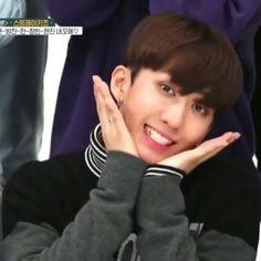 54 trendy memes kpop monsta x Kid Memes, Funny Memes, Hilarious, K Pop, Lee Min Ho, Onii San, Kpop Gifs, Memes In Real Life, Korean Boy