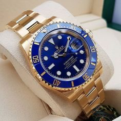 Gold and blue always a winning combo  Link in myBio! 305-377-3335 www.diamomdclubmiami.com/contact-us  #rolexchallenge #watches #luxurywatch #dailywatch #Submariner #watchoftheday #watchmania #rolexsub #rolexsubmariner #styles #rolexsubmarine #watchporn #