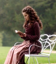 """ Heida Reed as Elizabeth Chynoweth in Poldark (TV Series, 2015). """