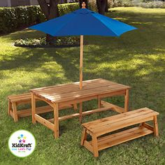 Tafel en Bank met Blauwe Paraplu van Kidkraft. Leuk voor de kinderen de tuin!