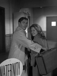 Elizabeth Montgomery, Cast Member, Find Picture, Che Guevara, It Cast, Movies, Pictures, Fictional Characters, Vintage