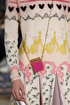 See detail photos for Valentino Spring 2017 Ready-to-Wear collection.  Spring Fashion 54a955fc8f72b
