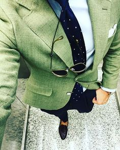THE IMPECCABLY DRESSED BERTIE WOOSTER | tiborstiluslapja: Green style |...