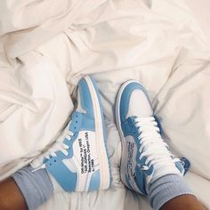 Off-white Trainers - Women's style: Patterns of sustainability Moda Sneakers, Sneakers Mode, Sneakers Fashion, Fashion Shoes, Fashion Outfits, Aesthetic Shoes, Hype Shoes, Mode Streetwear, Fresh Shoes