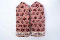 Handmade latvian traditional double mittens by TASSSHA on Etsy