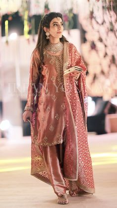 pakistan bridal couture fashion week – the asian fashion journal Pakistani Party Wear, Pakistani Wedding Outfits, Pakistani Couture, Pakistani Dresses, Indian Dresses, Indian Outfits, Traditional Fashion, Traditional Outfits, Pakistan Bride