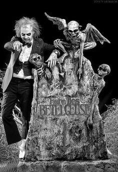 """Michael Keaton in """"Beetlejuice"""" dir. by Tim Burton Tim Burton Art, Tim Burton Films, Alec Baldwin, Winona Ryder, Frankenstein, Michael Keaton Beetlejuice, Johny Depp, Film Serie, Great Movies"""