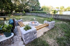 Creating a Backyard Entertaining Area with Paver Kits - Modern Paver Fire Pit, Fire Pit Bench, Fire Pit Area, Fire Pit Backyard, Fire Pit Seating, Backyard Patio Designs, Diy Patio, Backyard Landscaping, Backyard Seating