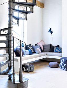 Comment créer un intérieur chaleureux en bleu ?