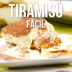 Easy and Fast Tiramisu Video- Video de Tiramisú Fácil y Rápido Do you have to take dessert? This idea is super easy to do and the best thing is that it is very fast, what do you expect to try. Sweet Recipes, Cake Recipes, Dessert Recipes, Bolo Tiramisu, Tiramisu Cheesecake, Bon Dessert, Tasty, Yummy Food, Salty Cake