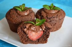 muffin al cioccolato con fragole